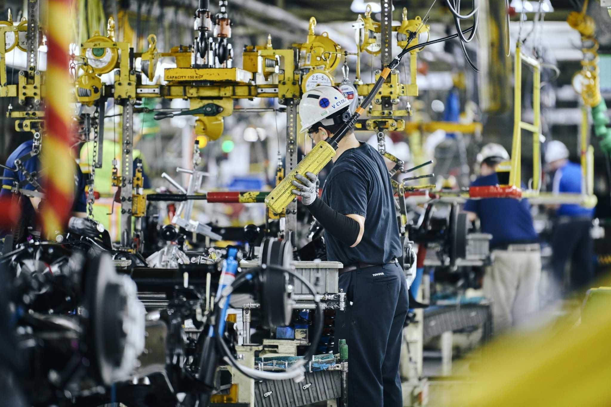 缺芯致欧洲车市再度大跌,甚至有工厂停产至2022年